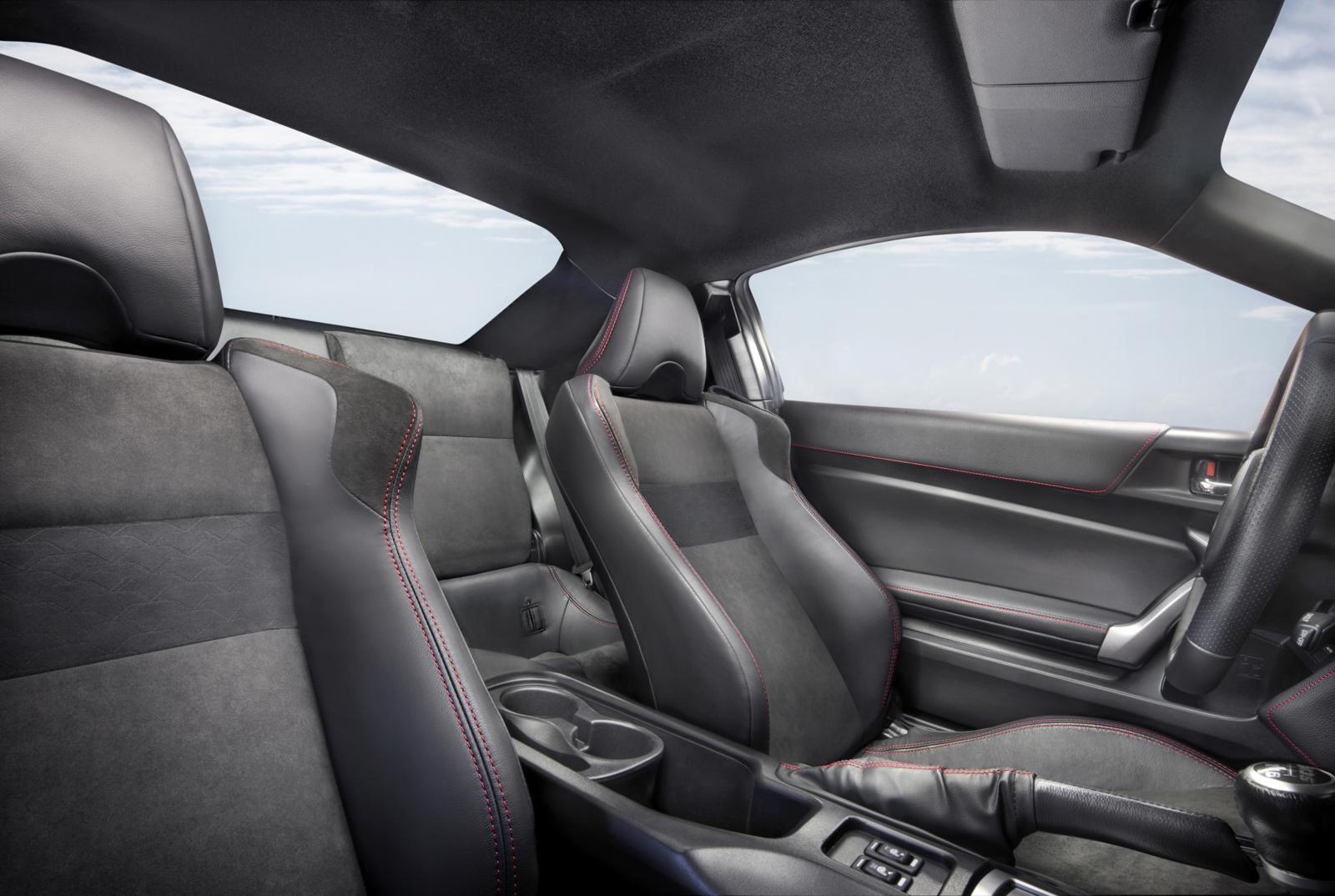 Toyota GT86 2012 Interior – Front Seat Driver