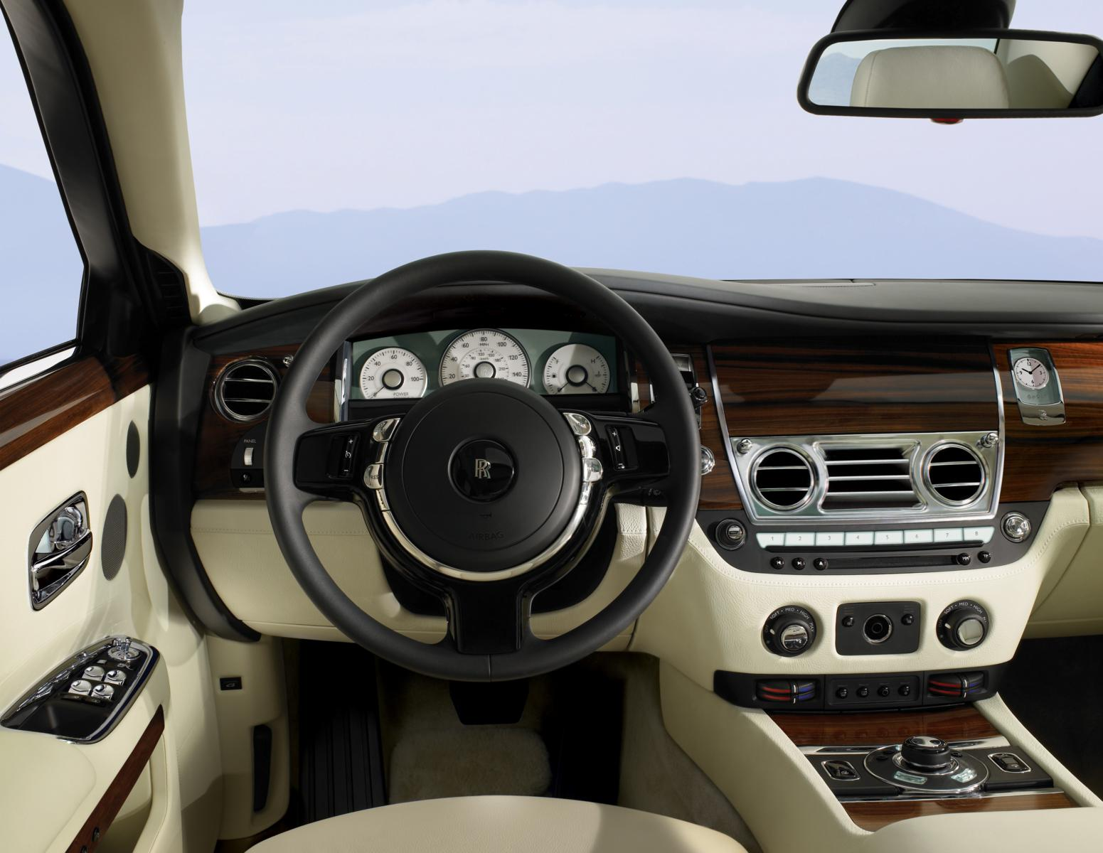 Rolls-Royce Ghost 2012 Dashboard - Front Seat Driver