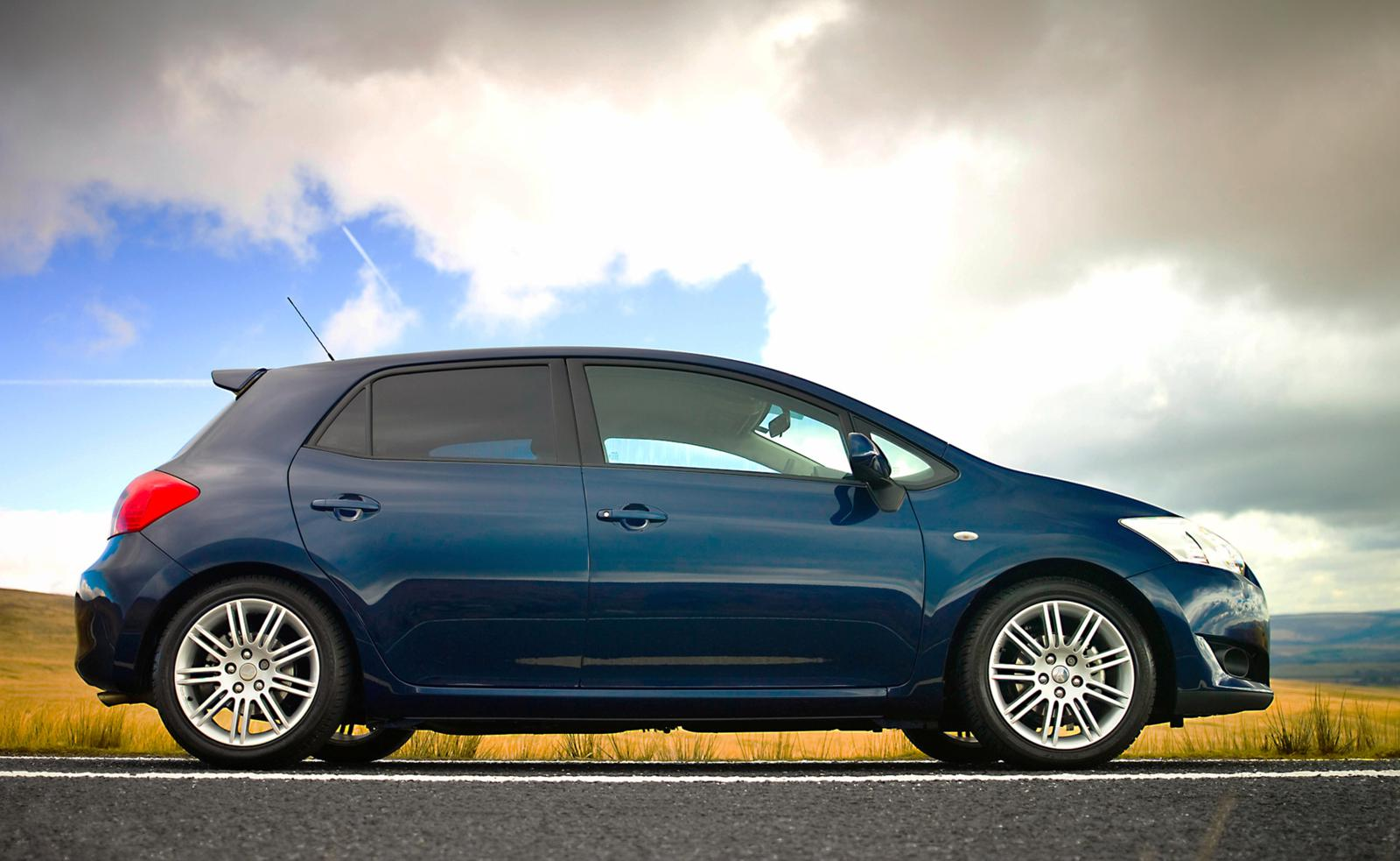 Top Ten Most Reliable Cars 2012 Toyota Auris Front Seat Driver