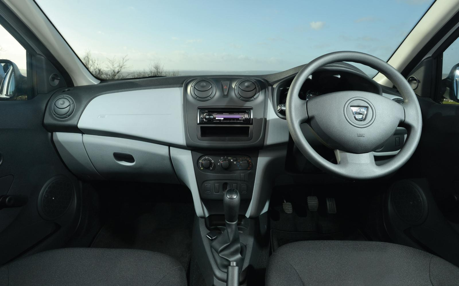 Dacia Sandero Access 2013 Dashboard Front Seat Driver