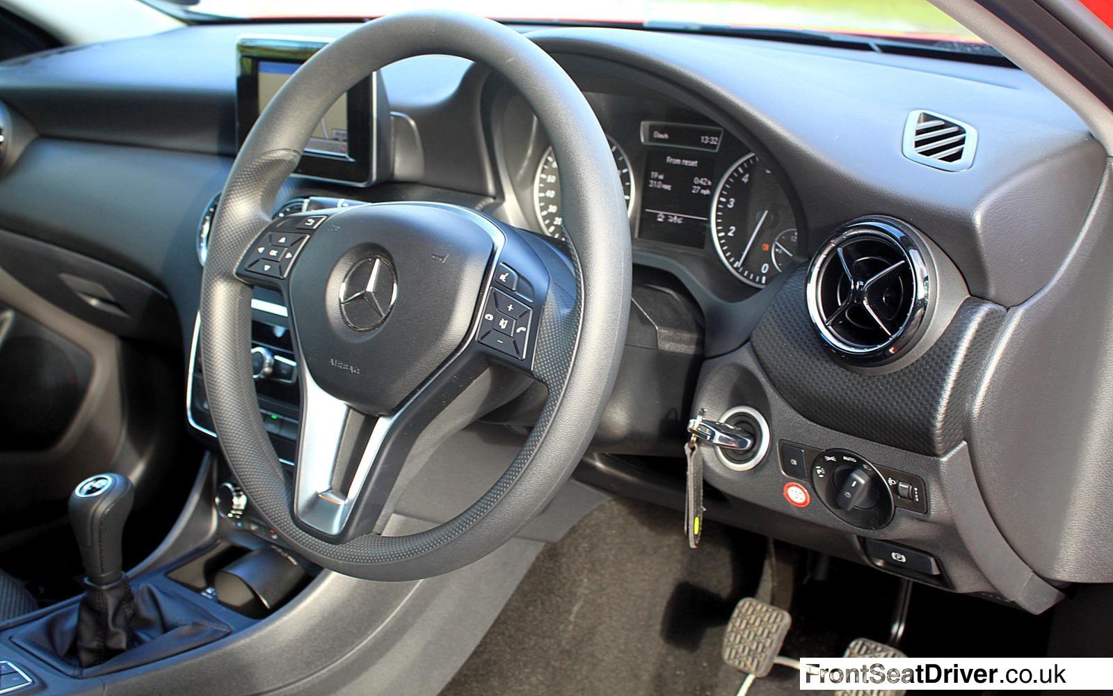 Mercedes A Class A180 Se 2013 Dashboard Detail Front