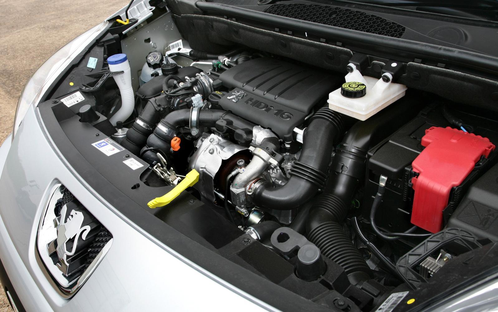 Peugeot Partner Tepee 2013 Engine Bay Front Seat Driver