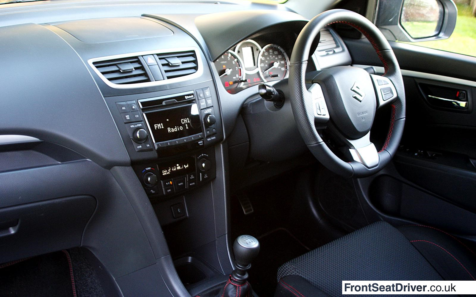 http://www.frontseatdriver.co.uk/wp-content/uploads/2013/04/Suzuki-Swift-Sport-2013-Interior.jpg