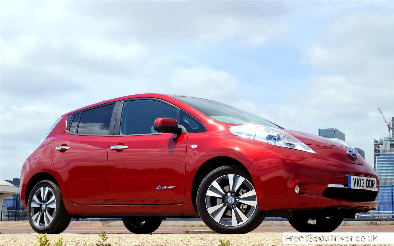 Nissan LEAF 2013 Front Right Low