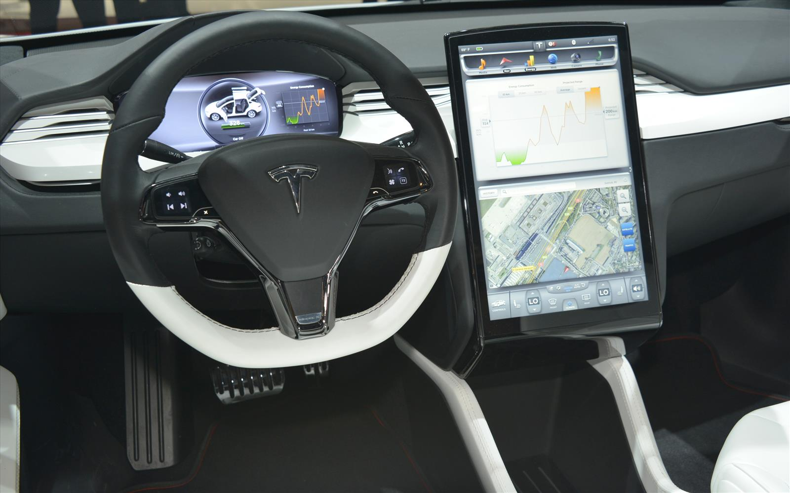 Tesla Model X 2013 Dashboard Front Seat Driver