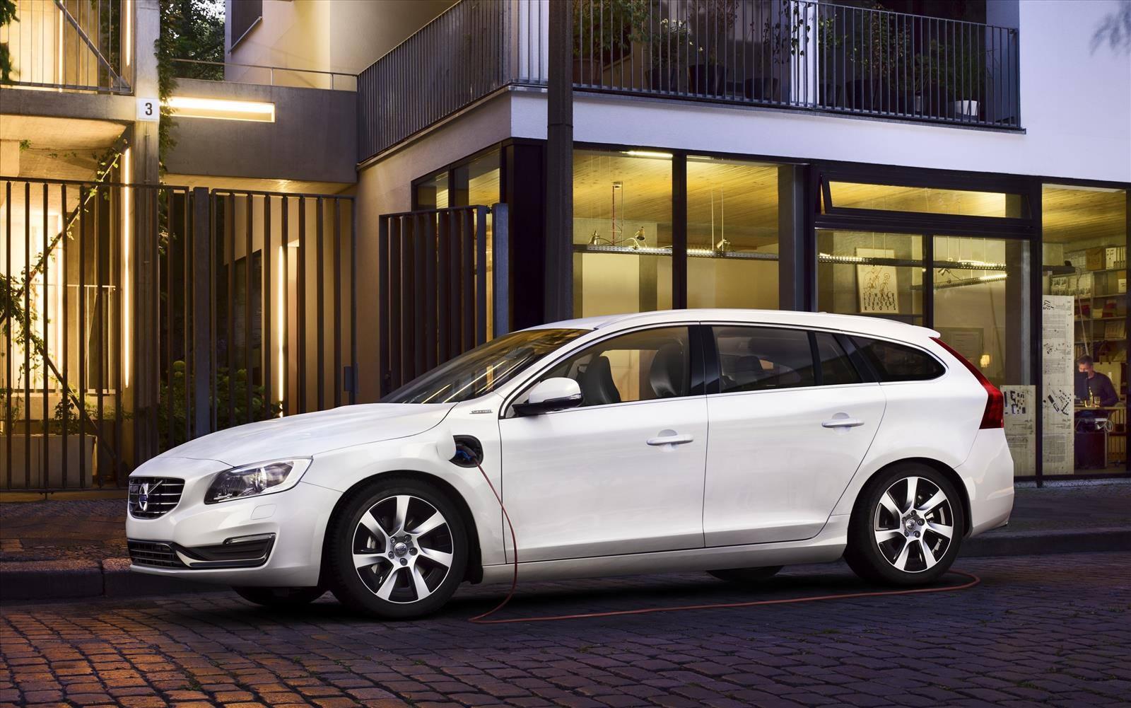 Top Five Congestion Charge Beaters 2013 Volvo V60 D6 AWD Plug-in Hybrid