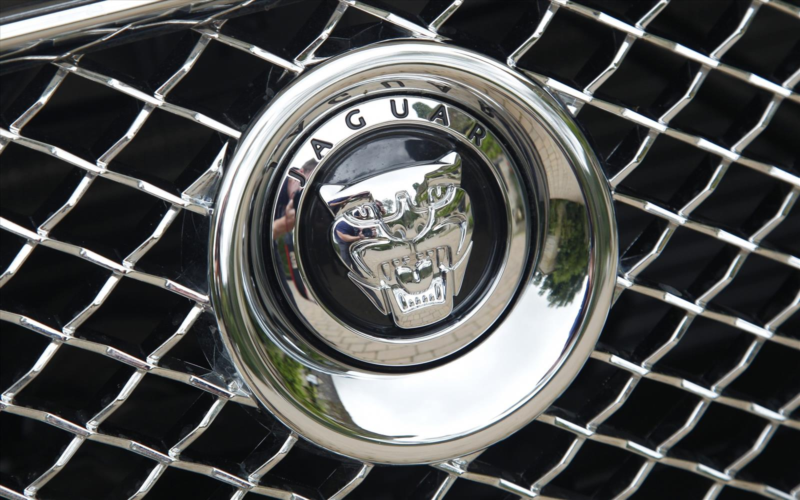 Jaguar XJ 2013 Growler