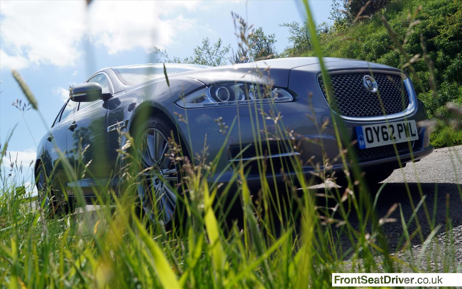 Jaguar XJ 2013 Hiding