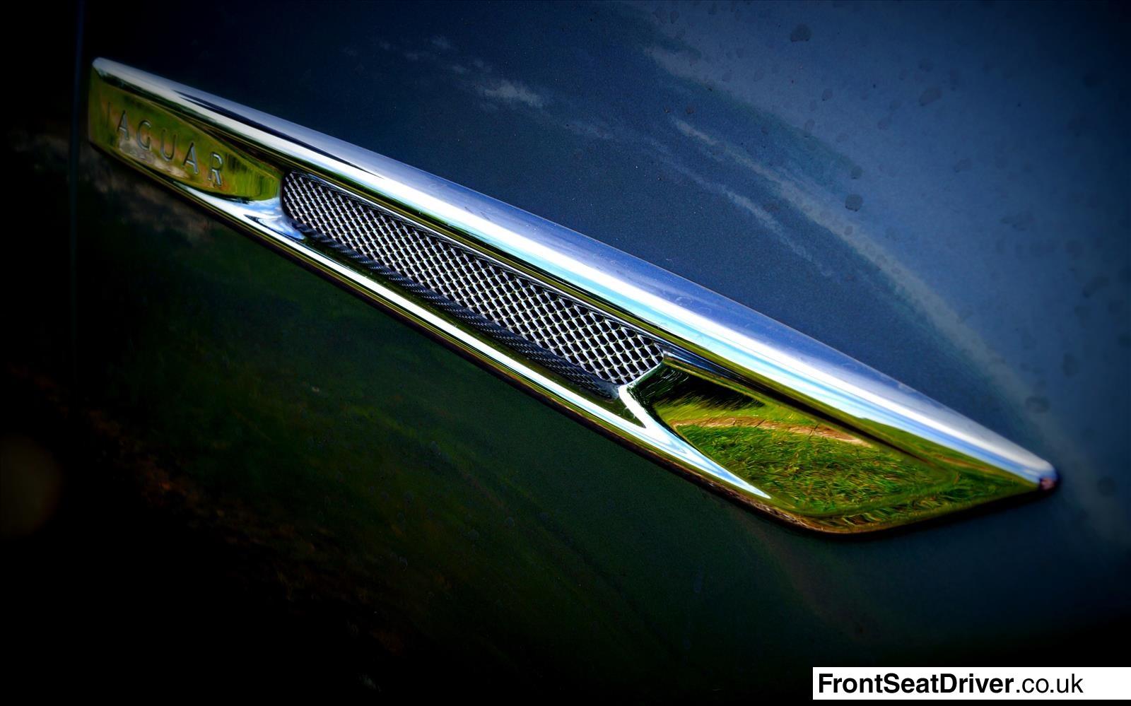 Jaguar XJ 2013 Wing Detail
