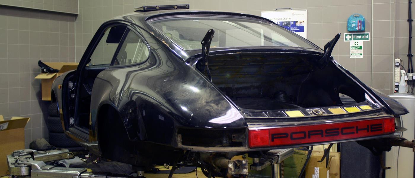 Porsche 911 SC Restoration 1982 Gallery 1