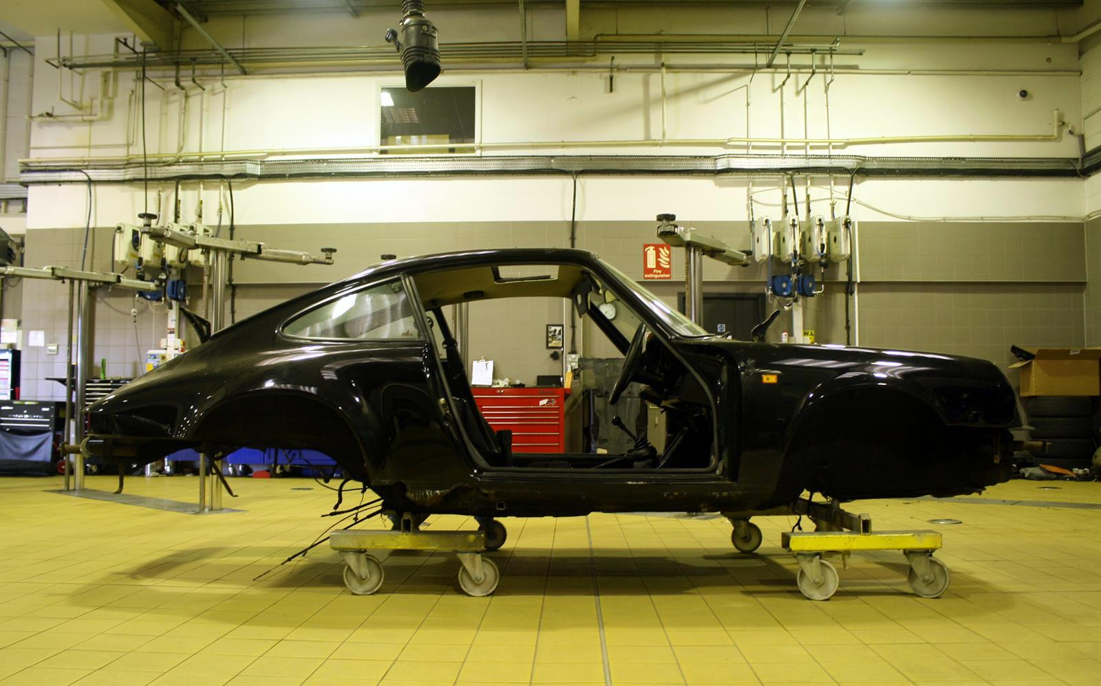 Porsche 911 Sc Restoration 1982 Phil Huff 6 Front Seat