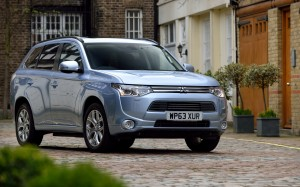 Mitsubishi Outlander PHEV 2014 Front