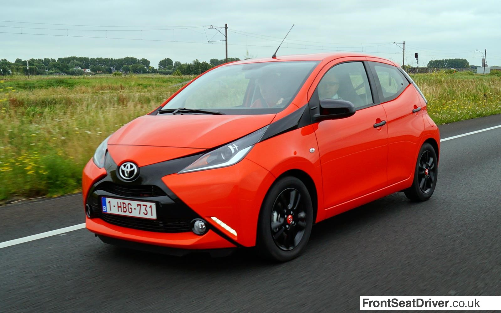 first drive toyota aygo front seat driver. Black Bedroom Furniture Sets. Home Design Ideas
