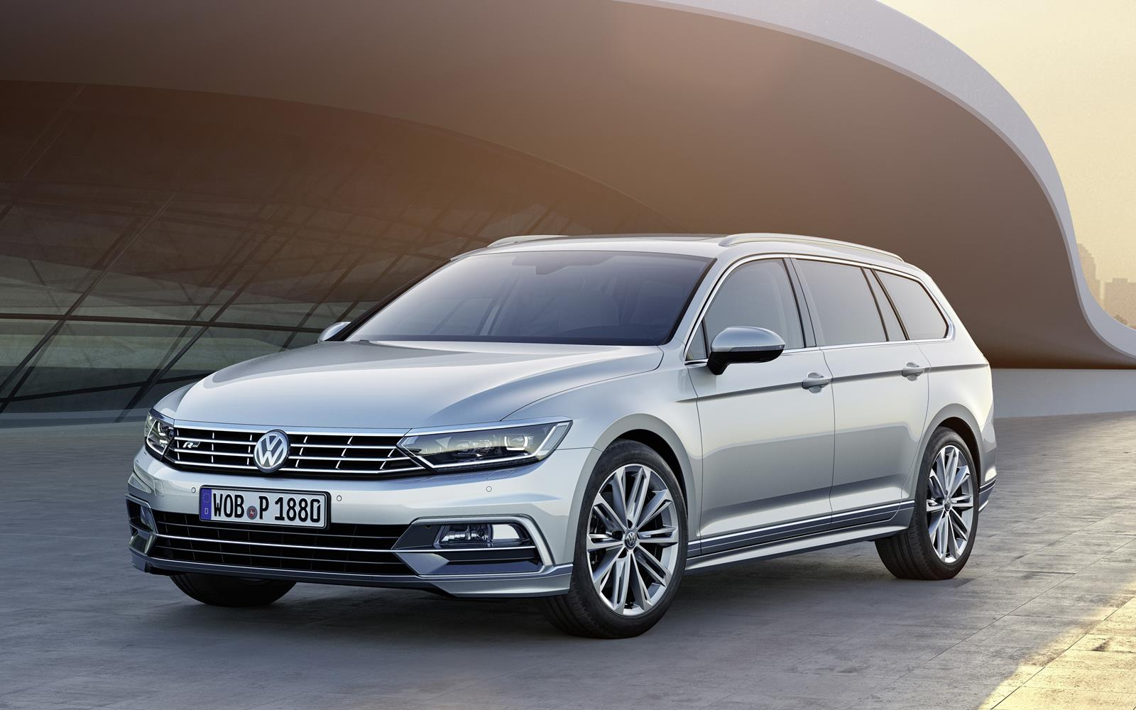 Volkswagen Passat Estate 2014 Front Left FrontSeatDriver.co.uk