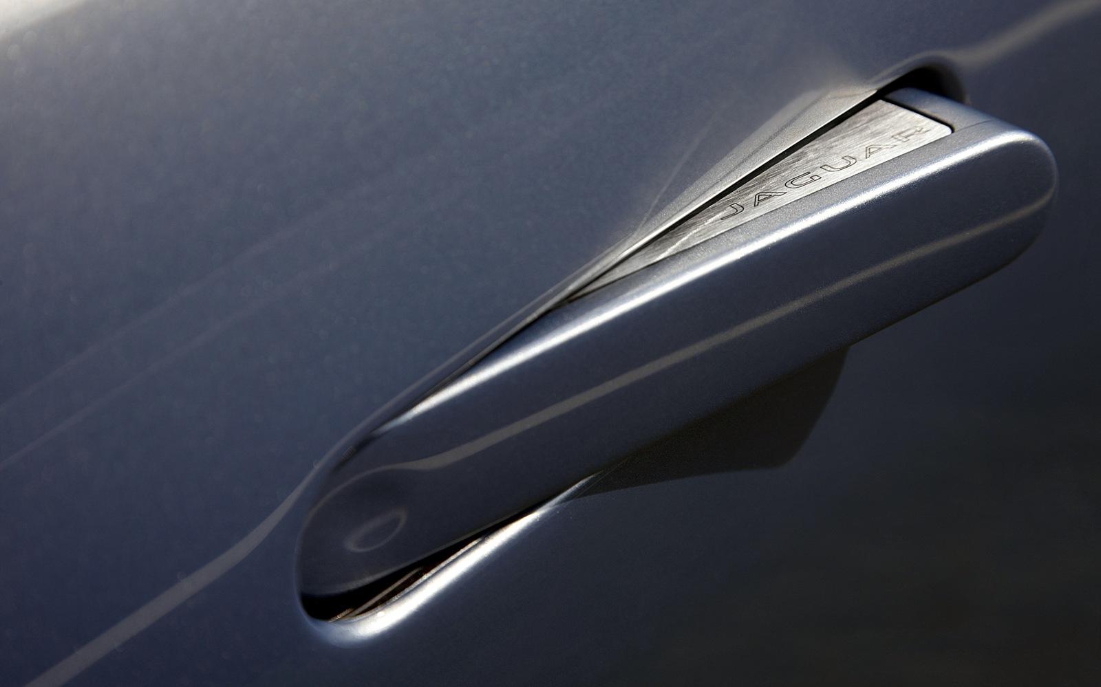 Jaguar F-Type V6 S Coupe 2014 Door Handle Detail FrontSeatDriver.co.uk