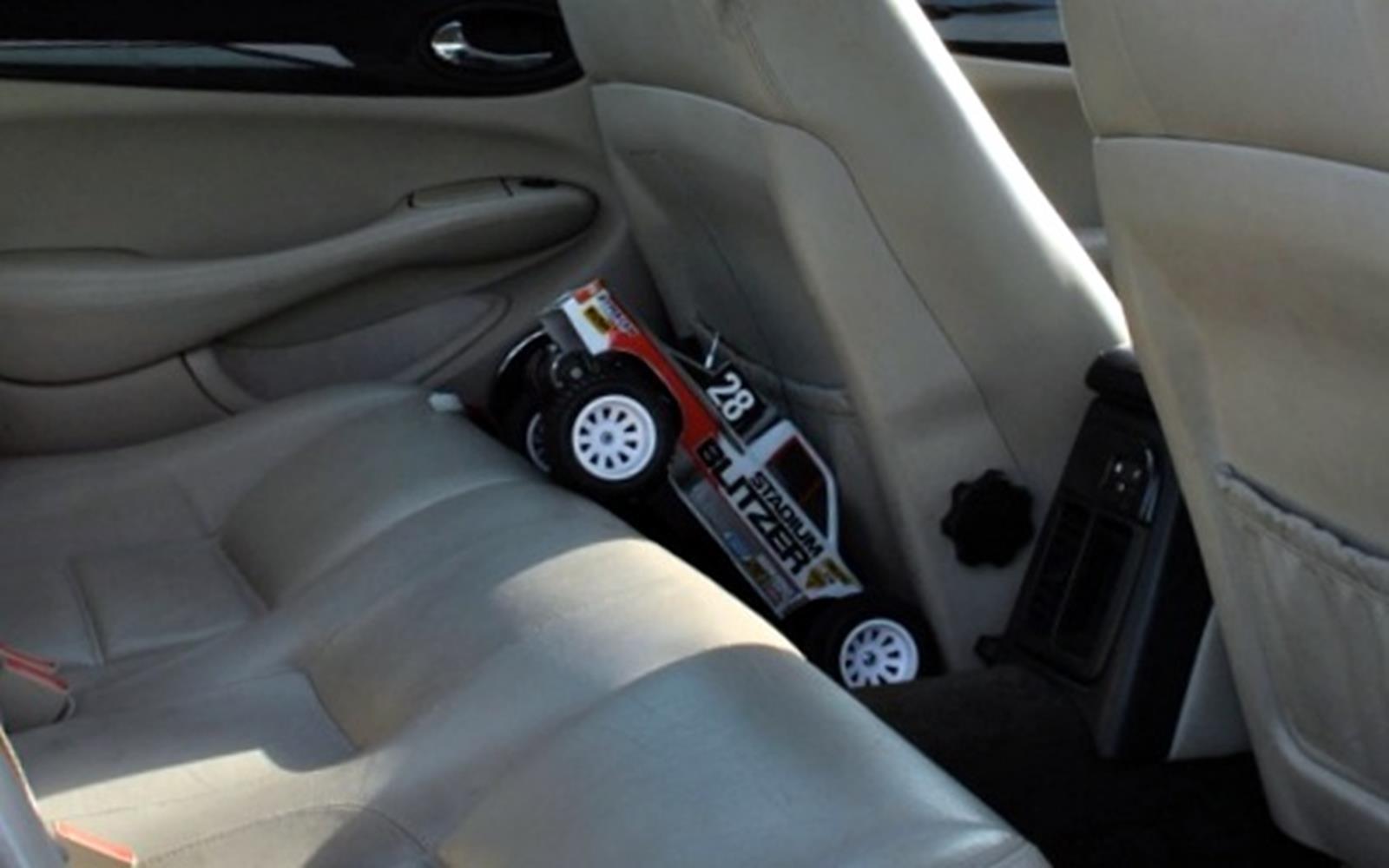 Jaguar XJ8 1998 Rear Seats FrontSeatDriver.co.uk