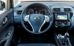 Nissan Pulsar 2014 Driver's View FrontSeatDriver.co.uk