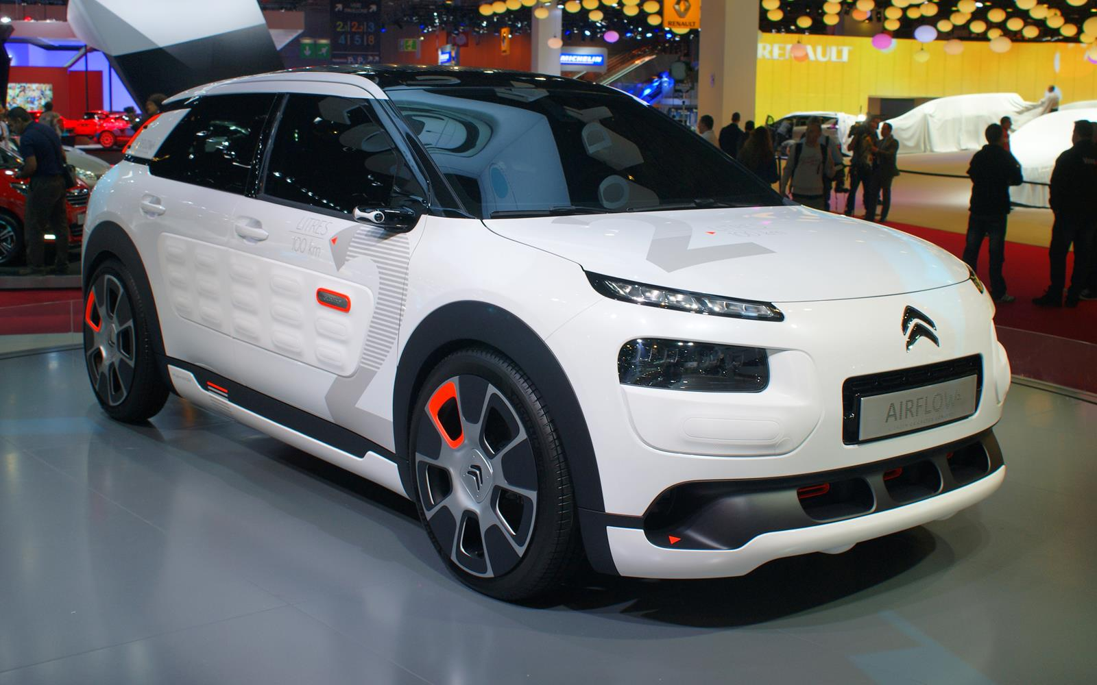 Paris Motor Show 2014 Citroen Cactus AIRFLOW 2L FrontSeatDriver.co.uk
