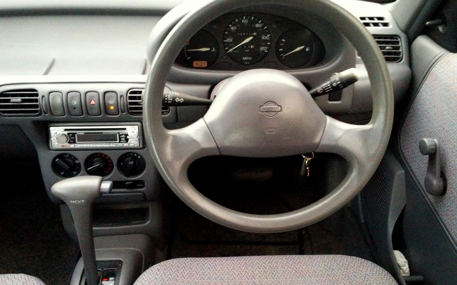Nissan Micra 1995 Dashboard Front Seat Driver