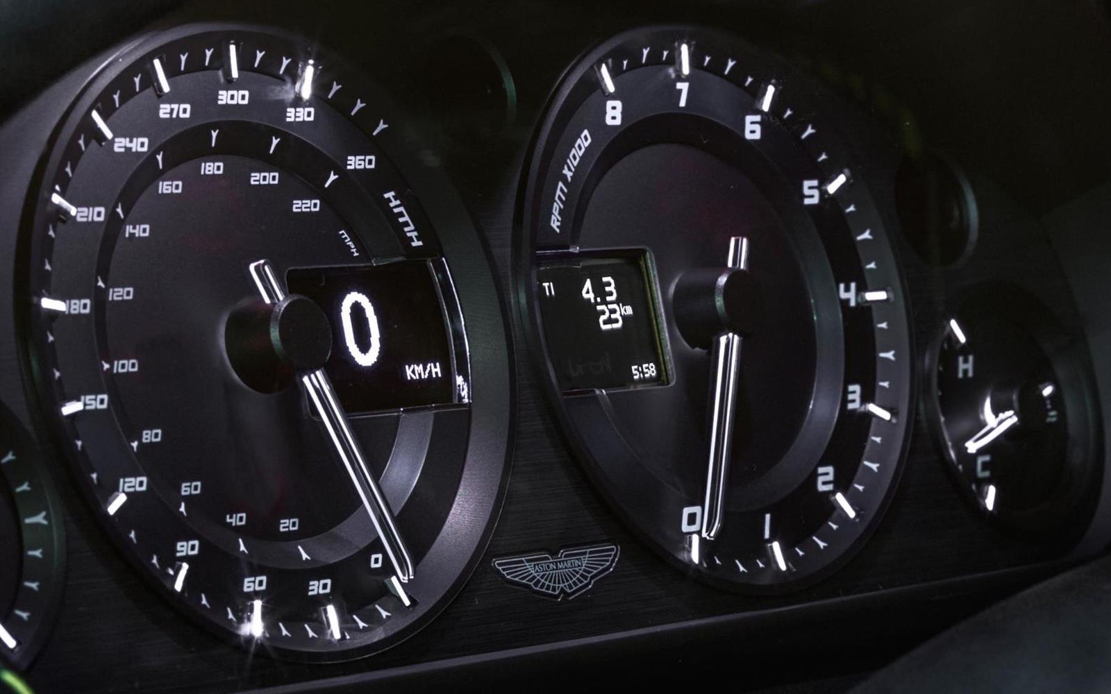 Aston Martin V8 Vantage N430 2014 19