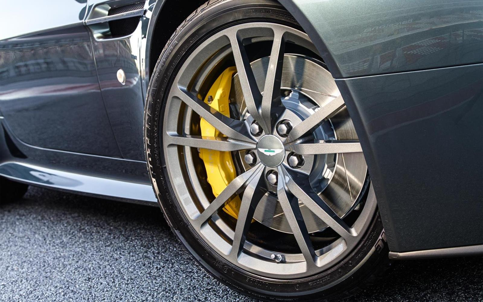 Aston Martin V8 Vantage N430 2014 8
