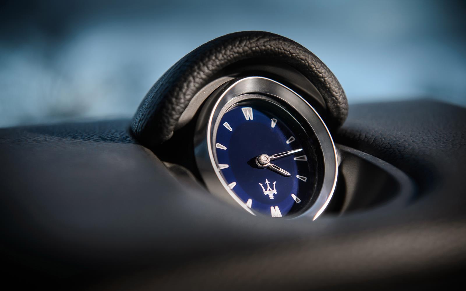 Maserati Ghibli 2014 Clock