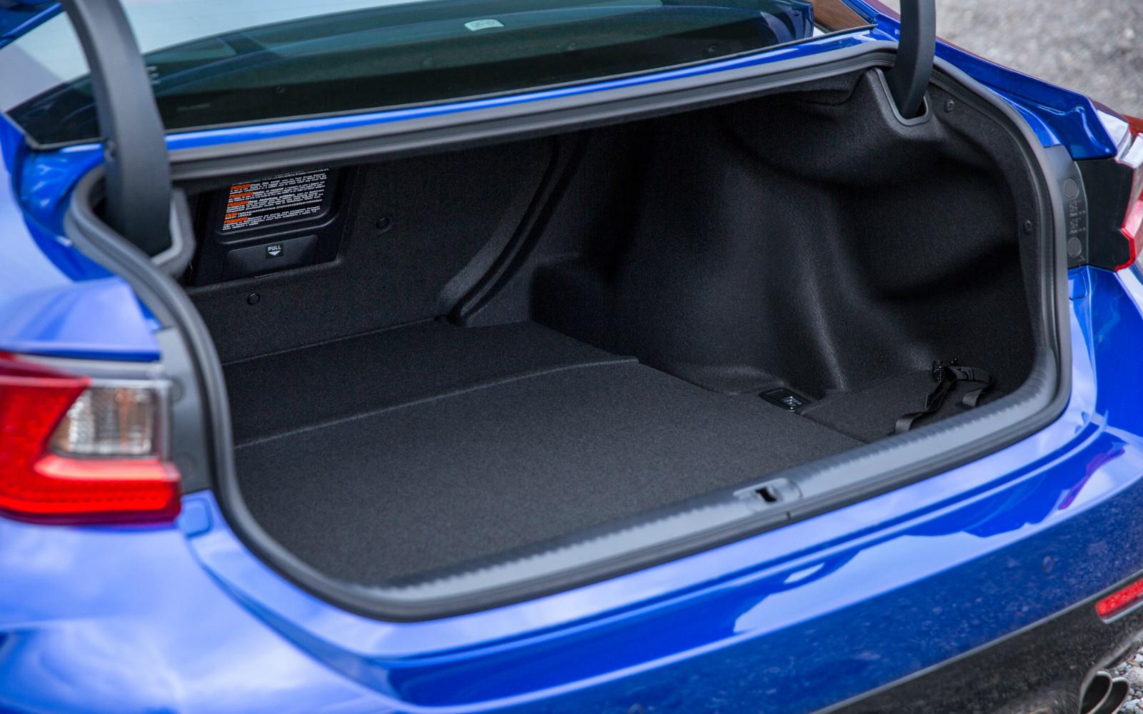 Lexus RC F 2015 Boot Detail