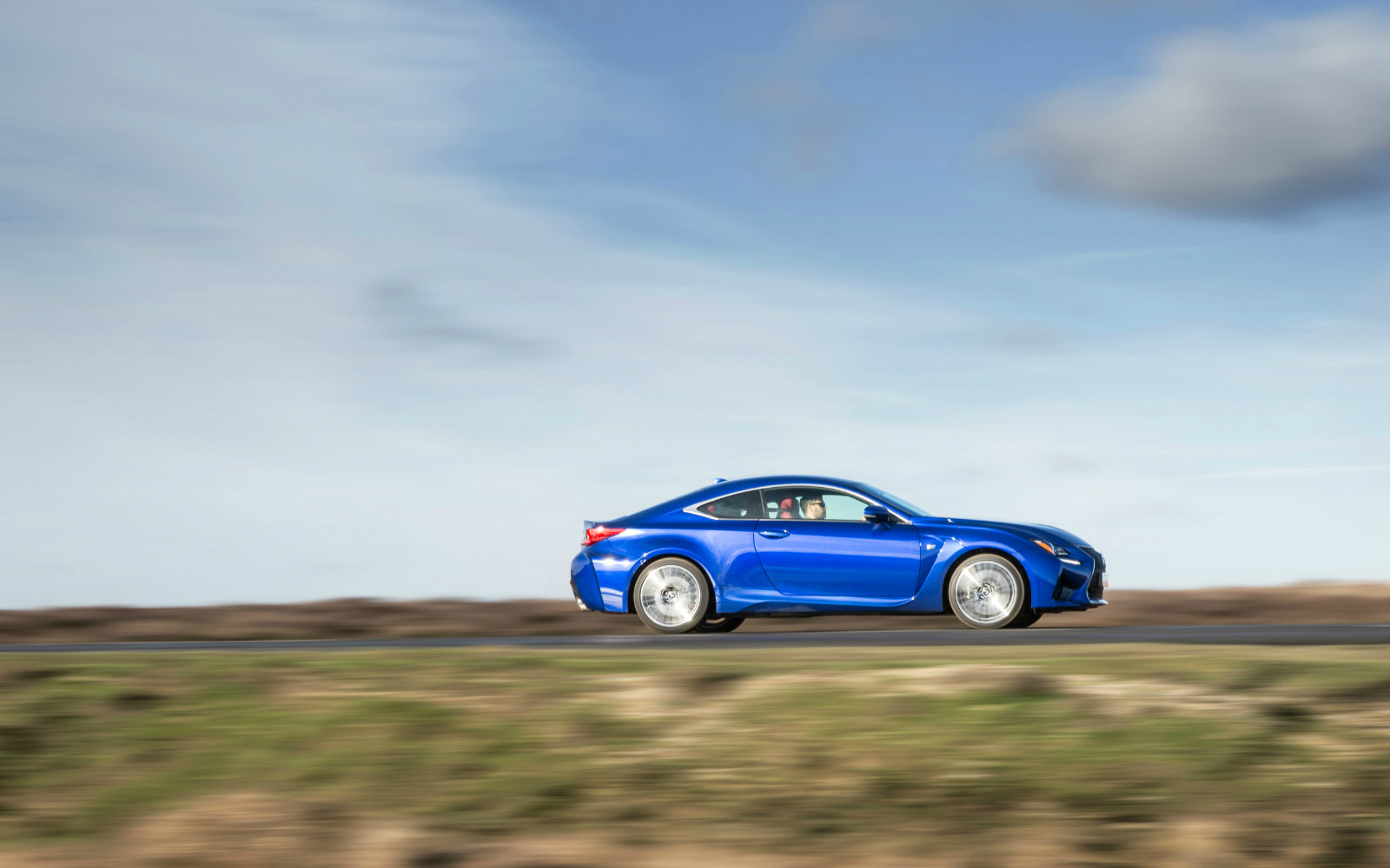 Lexus RC F Profile Dynamic