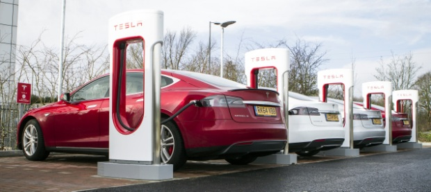 Tesla Supercharger 2015 620x277