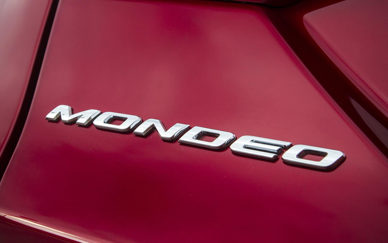 Ford Mondeo 2015 Badge Detail