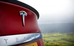 Tesla Model S 2015 Badge Detail