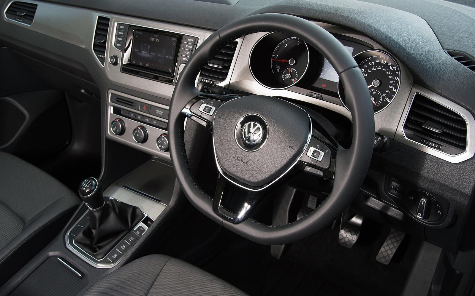 Volkswagen Golf SV 2015 Dashboard