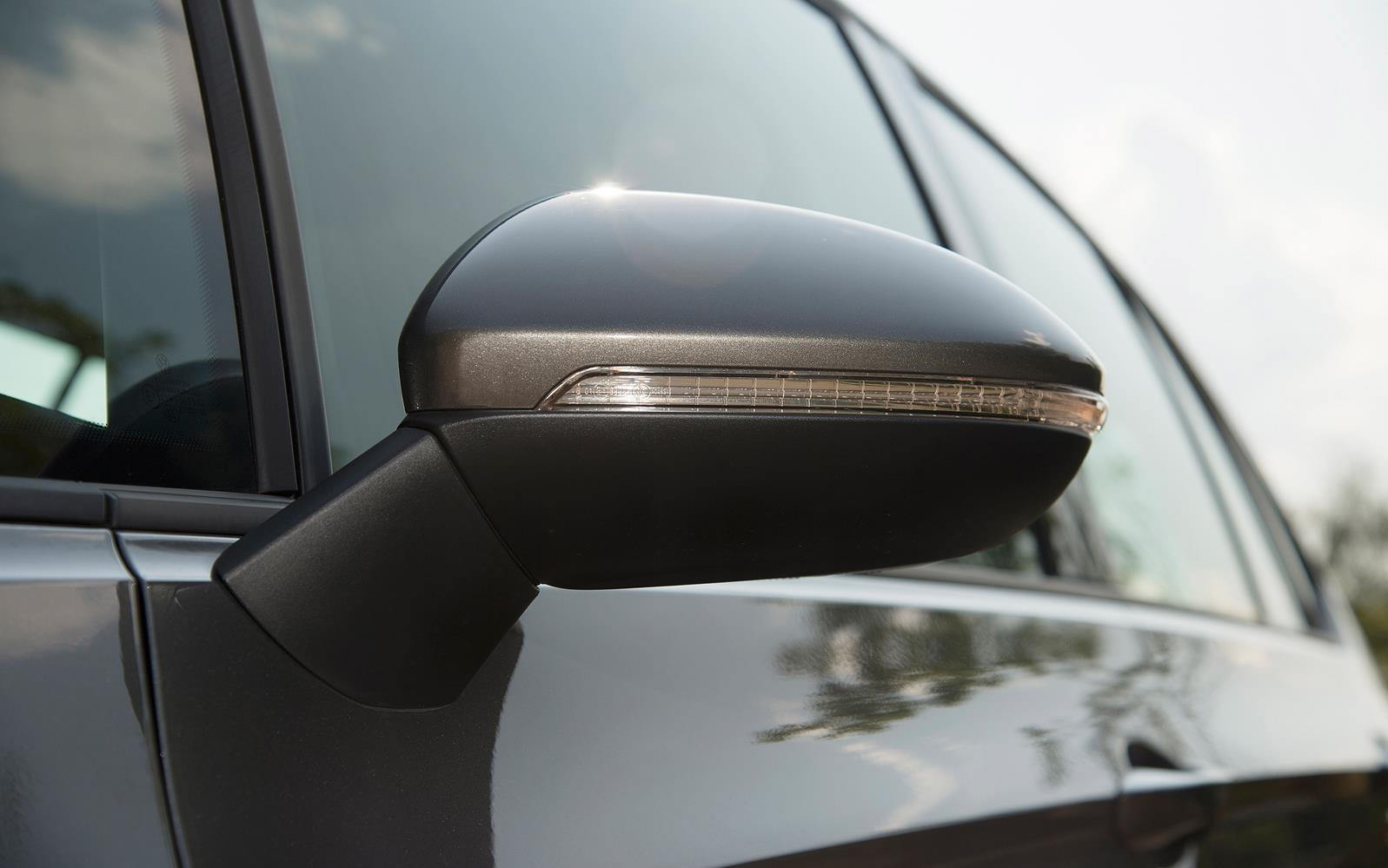Volkswagen Golf SV 2015 Mirror Detail