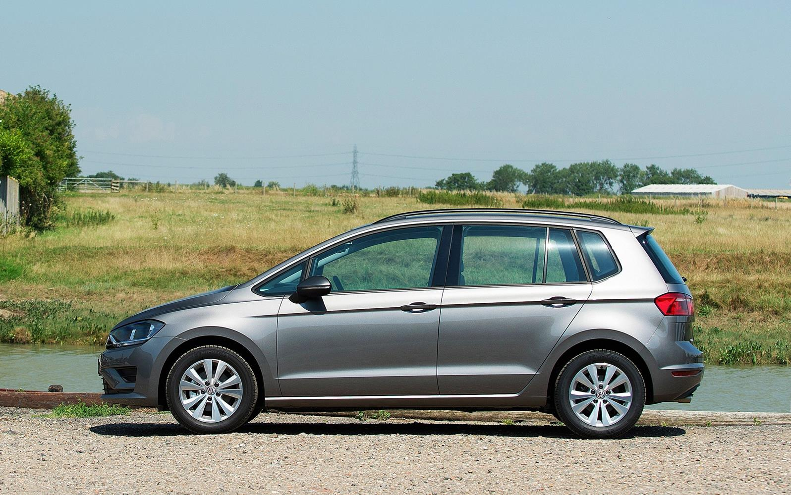 Volkswagen Golf SV 2015 Profile Static