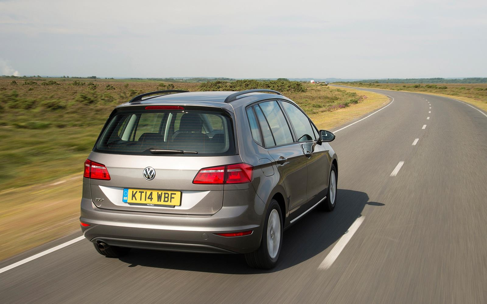 Volkswagen Golf SV 2015 Rear Dynamic