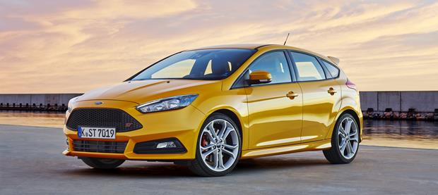 Ford Focus ST 2015 620x277
