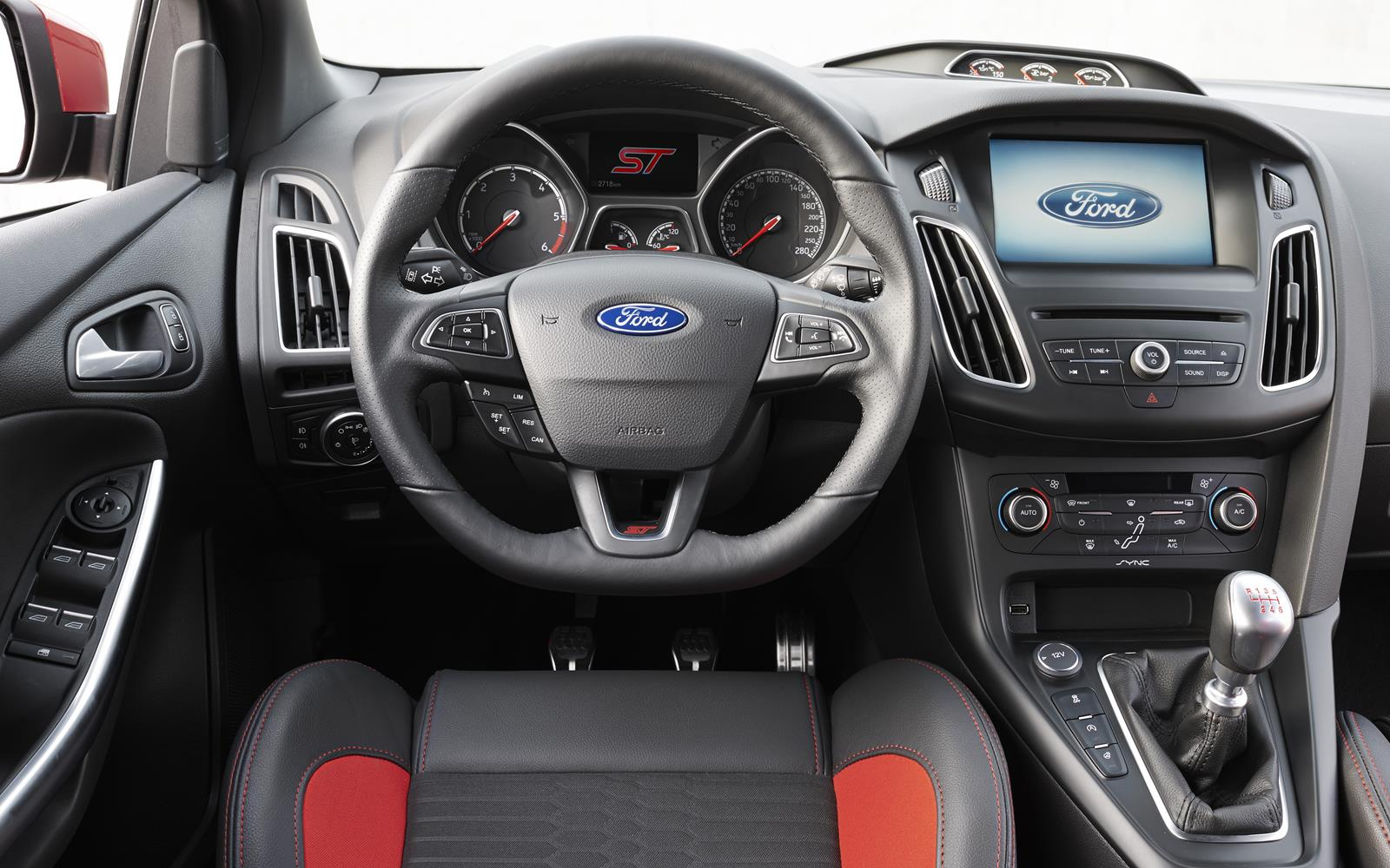 Ford Focus ST 2015 Instrument Binnacle