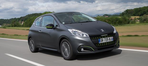Peugeot 208 2015 620x277