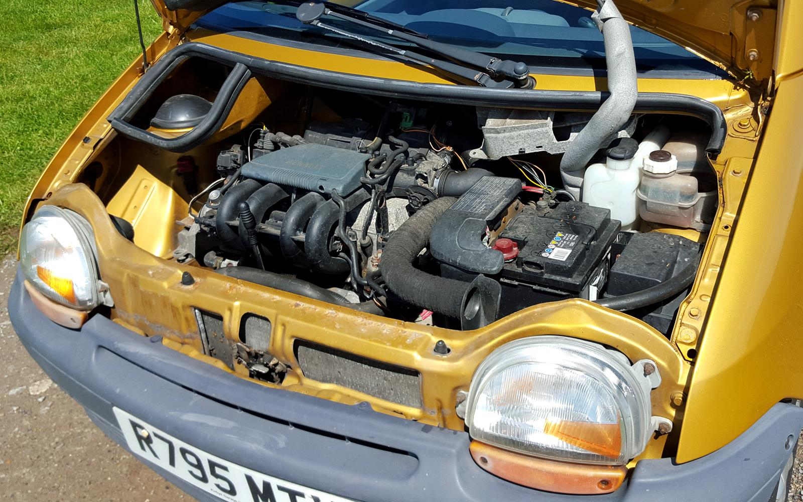 Renault Twingo 1998 Engine – Front Seat Driver