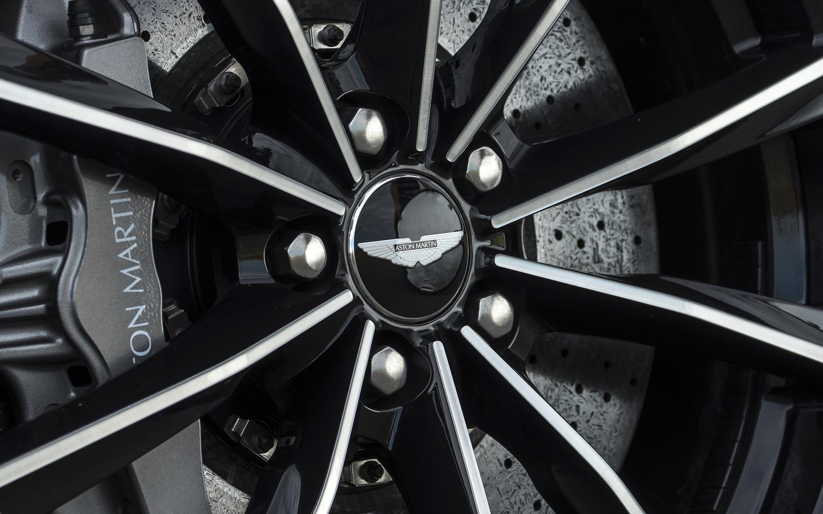 Aston Martin DB9 GT 2015 Wheel detail