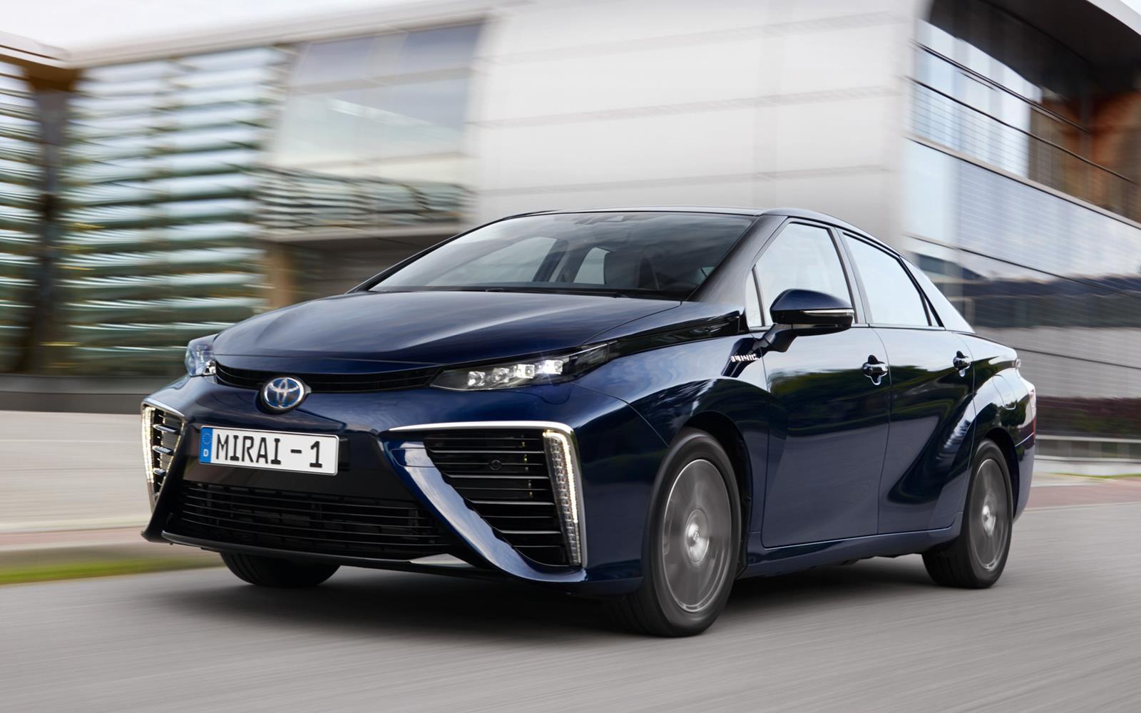 Toyota Mirai 2015 Dynamic Front