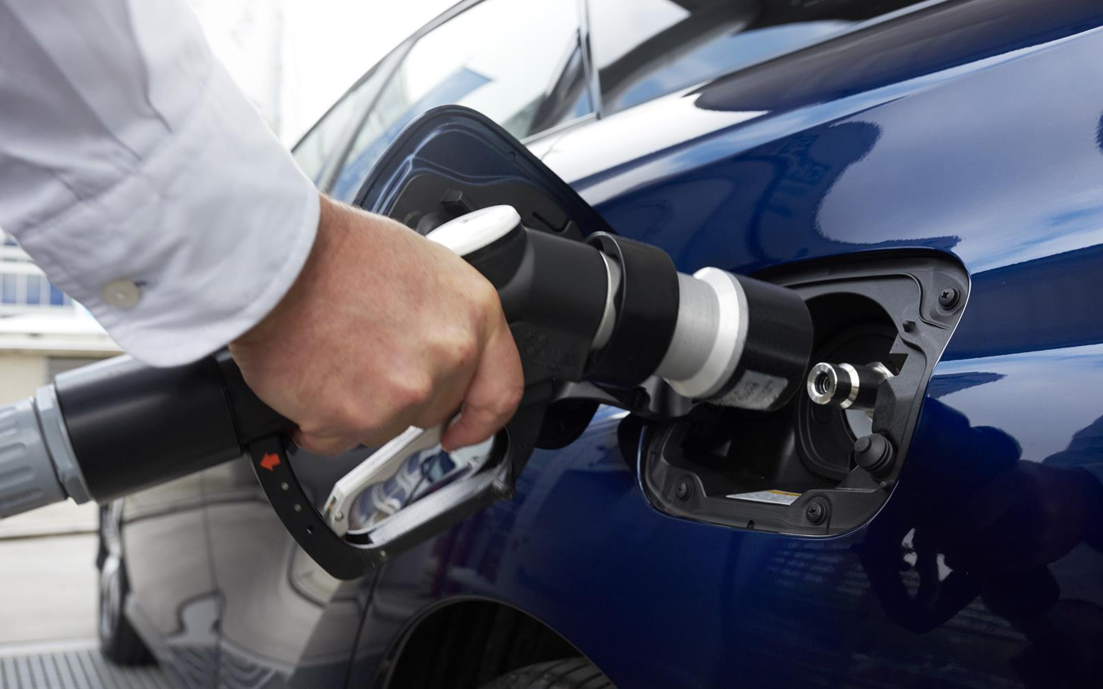 Toyota Mirai 2015 Fuelling