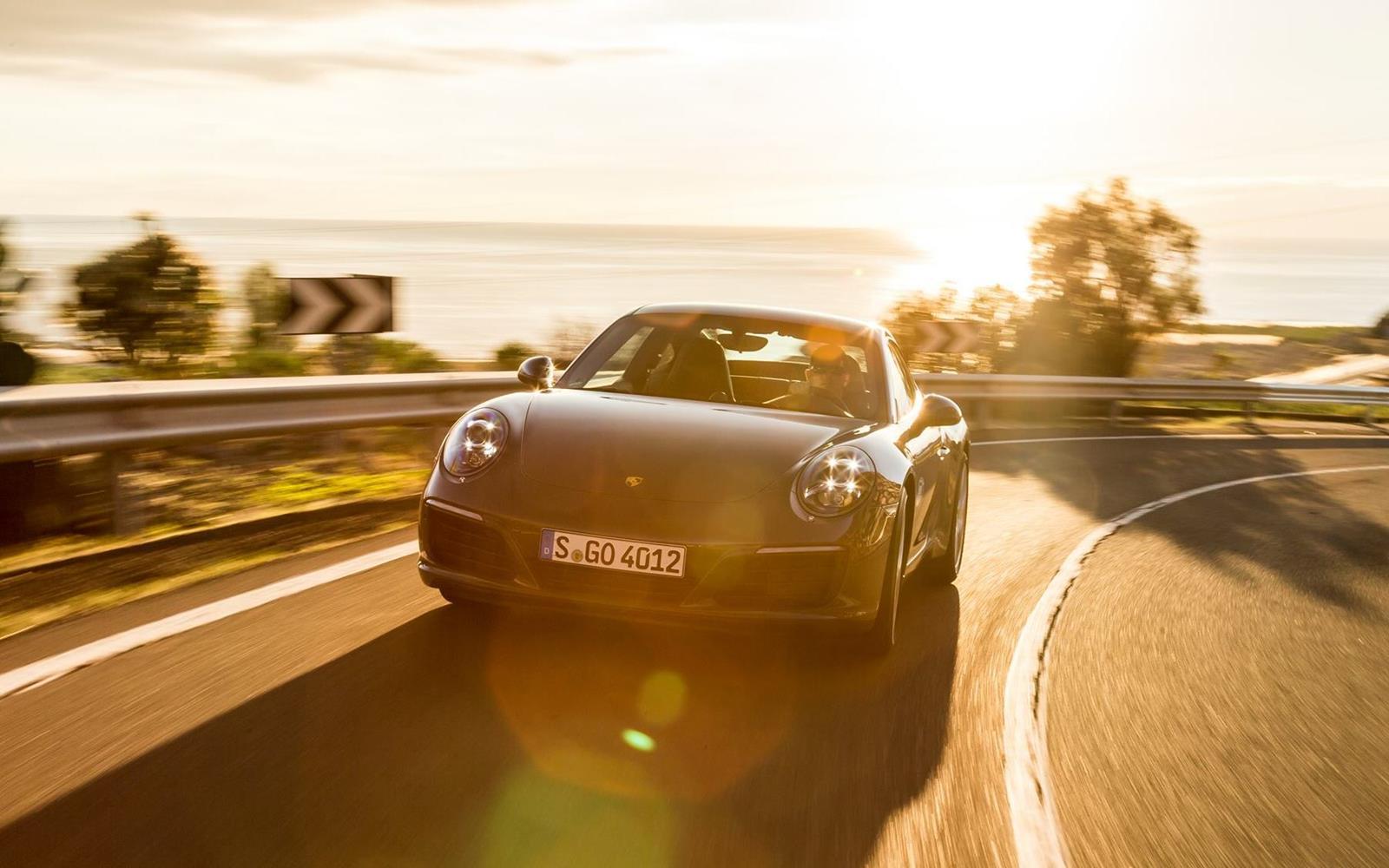 Porsche 911 Carrera 2015 Dynamic Front