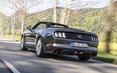 Ford Mustang 2.3 EcoBoost Convertible 2015 09