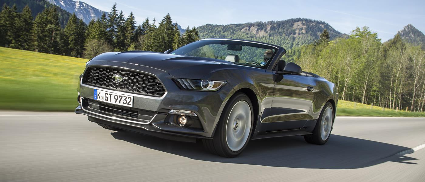 first drive ford mustang 2 3 ecoboost convertible front seat driver. Black Bedroom Furniture Sets. Home Design Ideas