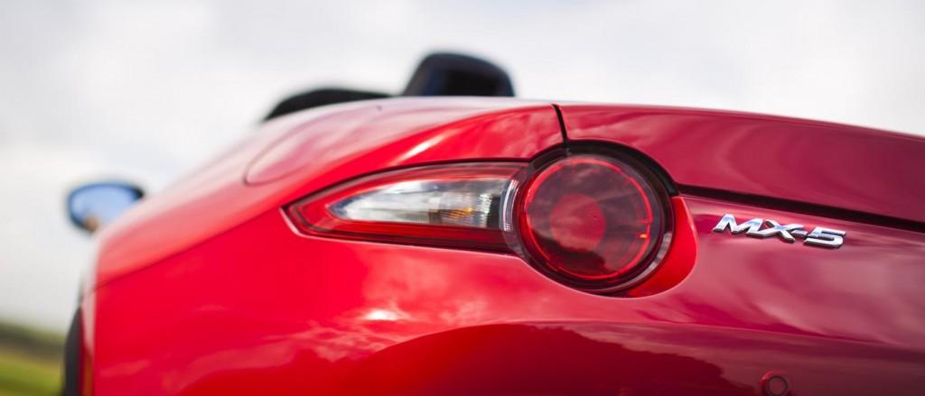 Mazda MX-5 2016 Feature 5
