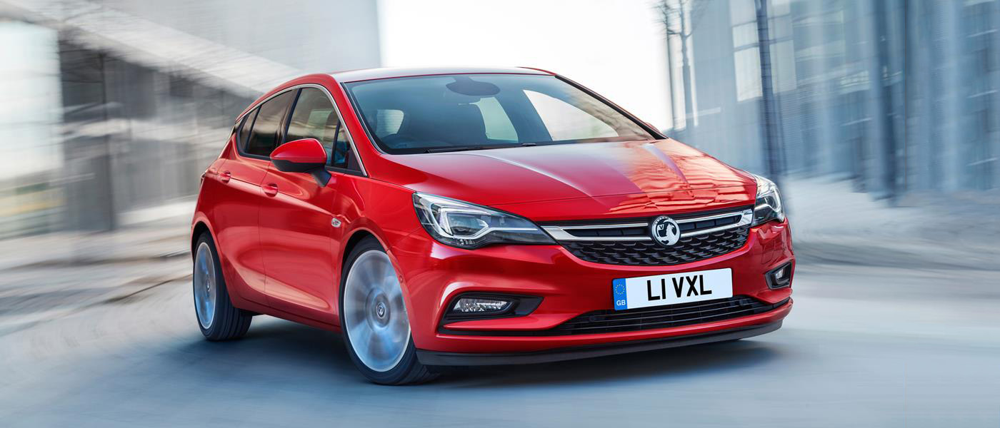 get to know the vauxhall astra front seat driver. Black Bedroom Furniture Sets. Home Design Ideas