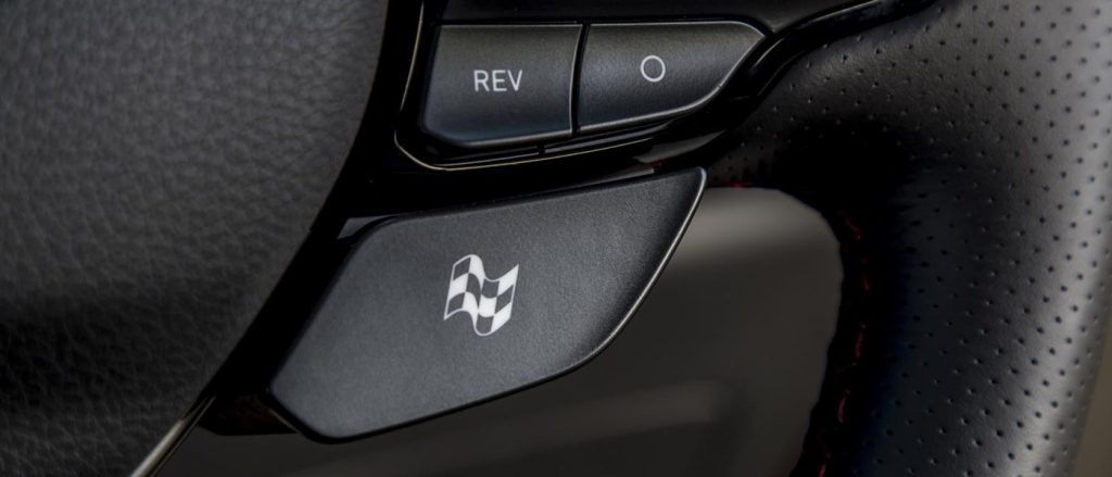 This button brings the Hyundai i30 Fastback N to life.